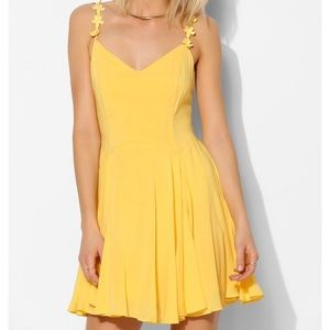 Kimchi Blue yellow daisy strap dress